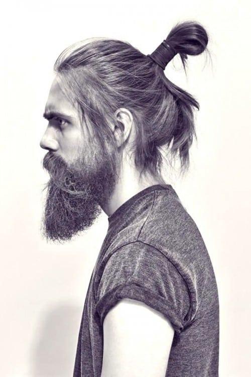 Hot-Man-Bun-Hairstyles-For-Guys-13