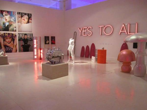 sylvie-fleury-arte-moda-yes-to-all