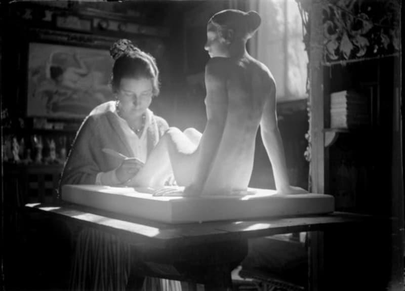 @MuseoSorolla: #MuseumWeek con #secretsMW Helena Sorolla realizaba sus esculturas en el estudio de su padre
