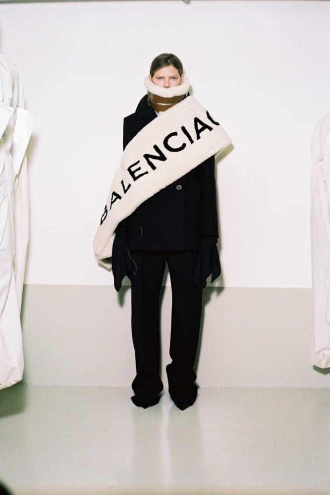 Balenciaga-Pre-16-666x999