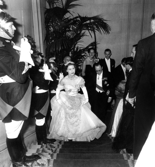 princess_margaret___21_november_1951___credits__rue_des_archives_agip_jpg_1929_jpeg_1428.jpeg_north_499x_white