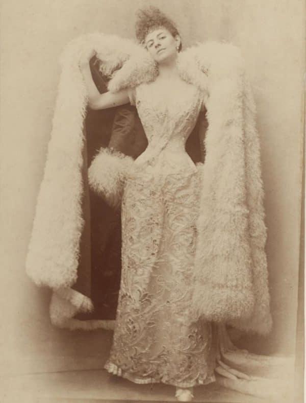 countess-greffulhe-wearing-a-ball-dress-by-otto