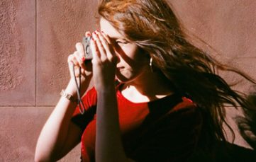girl-with-a-camera-fcbk