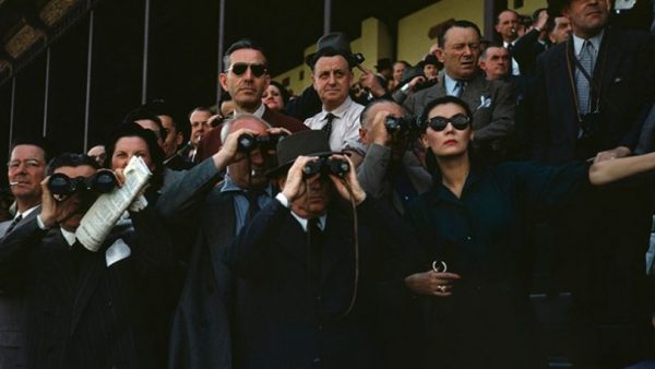 robert-capa-spectators-at-the-longchamp-racecourse-paris-ca-1952-robert-capainternational-center-of-photographymagnum-photos-810x456_c