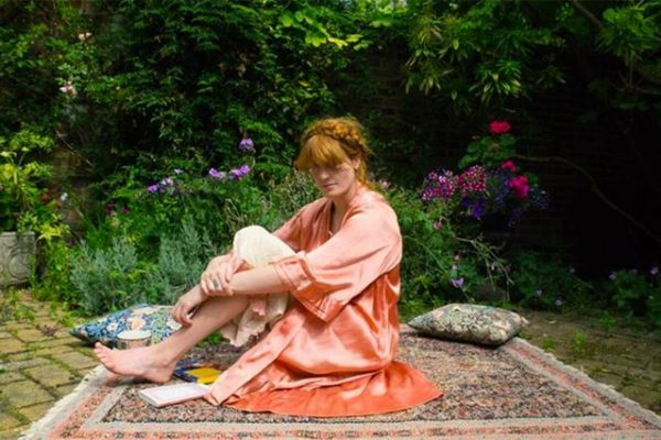florence-welch-house-29sep16-pr_b_639x426-1