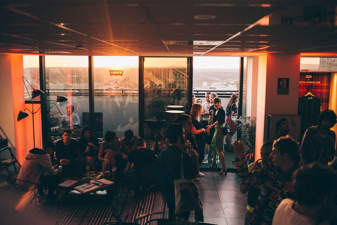 El lugar elegido para la presentación fue un espectacular ático de tres plantas ubicado en la Gran Vía de Madrid