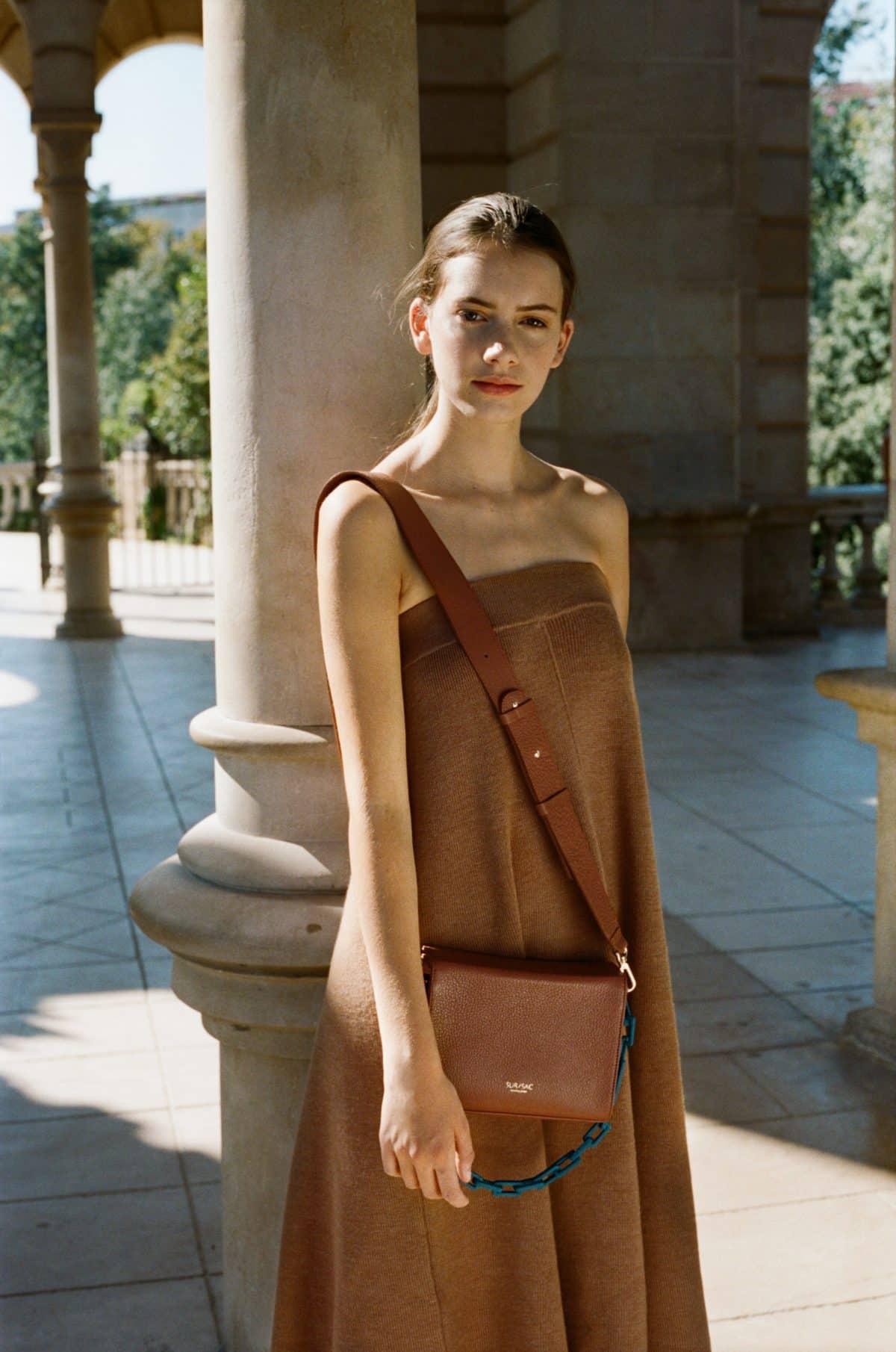 b5d3f9f7f04 Una tendencia directa del streetwear masculino y que en SUR/SAC han sabido  plasmar a la perfección en el modelo Valentina, una pieza delicada, ...